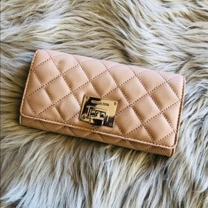 NWT Michael Kors Astrid Quilted leather wallet
